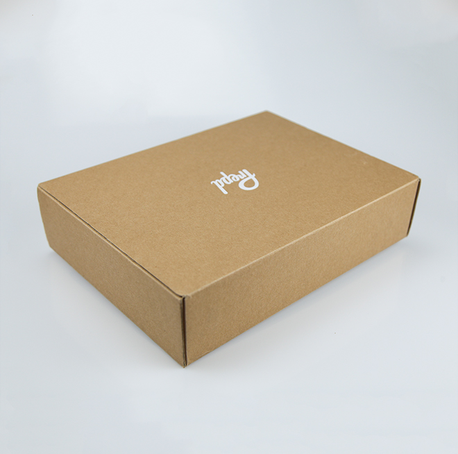 Supply ODM China Custom Luxury Ivory Cardboard White Paper Bag and Box for Clothing Featured Image