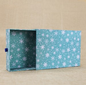 Factory Wholesale Star Printing Logo Rigid Cardboard Gift Box with Ribbon